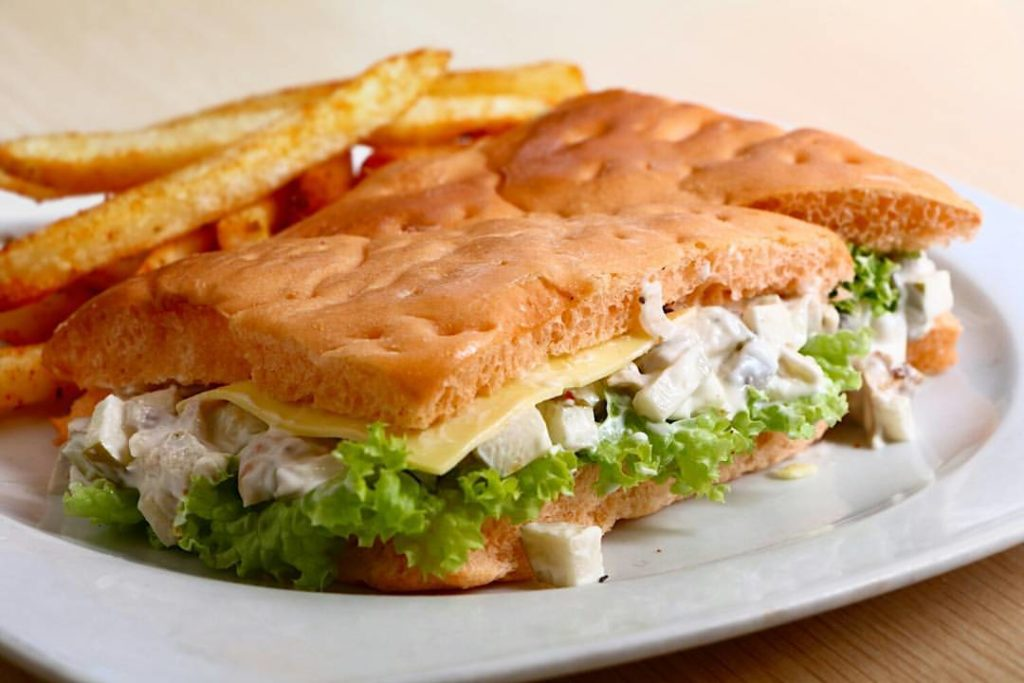 tobys apple chicken sandwich